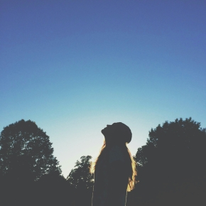 wpid-light-sky-people-woman.jpg